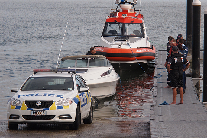 Search continues for missing boatie