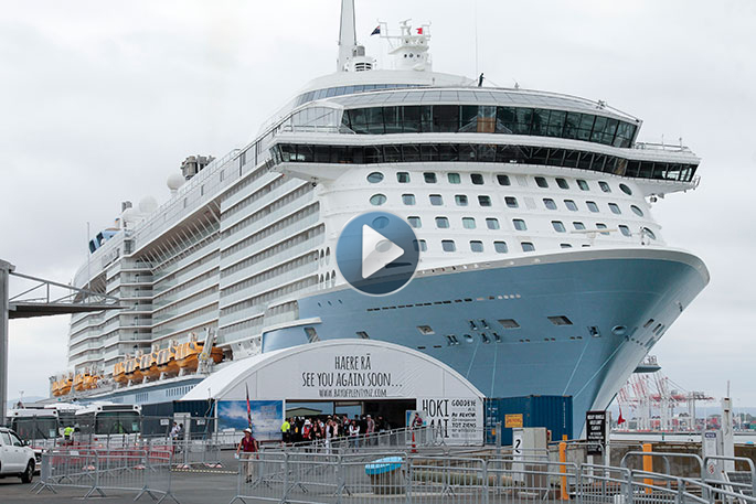Sunlive On Board Ovation Of The Seas The Bay S News First