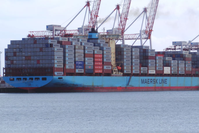 Wind gusts break ship's lines The Carsten Maersk is expected to sail later today