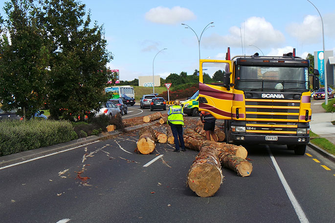 SunLive - Logging truck rolls in Bethlehem - The Bay's News First