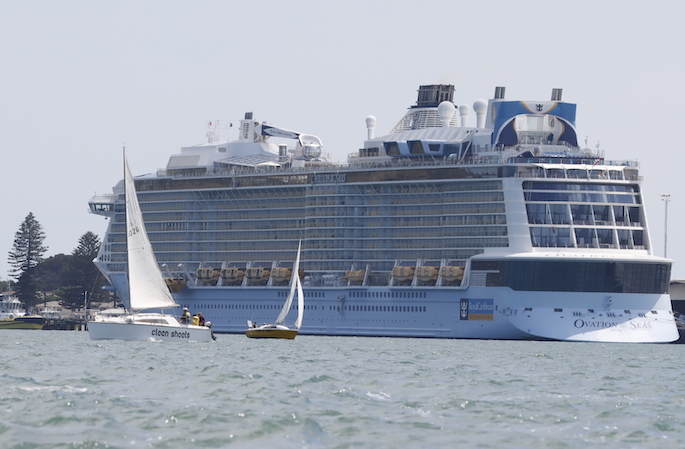 """""""Eerie mood"""" on cruise ship after fatal eruption"""
